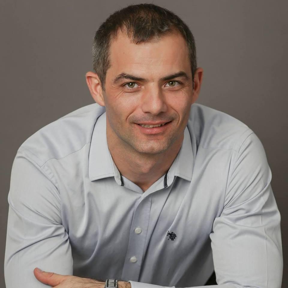 """Autor, speaker, creator al proiectului """"Atrage Abundența în Viața Ta!"""""""